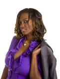 piękna czarny bluzki purpur kobieta zdjęcie royalty free