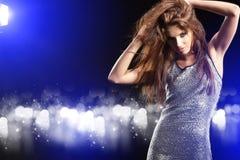 piękna dancingowa dziewczyna obrazy stock