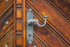 Piękna dokonanego żelaza rękojeść stary drzwi w Szwajcaria Fotografia Royalty Free