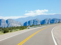 Piękna dolina góry Ruta 40 Mendoza Argentyna zdjęcia stock
