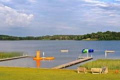 Piękna dopłynięcie plaża, jezioro i obrazy stock