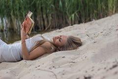 piękna dziewczyna księgowa Obrazy Royalty Free