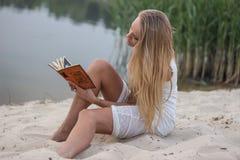 piękna dziewczyna księgowa Fotografia Stock