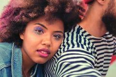 Piękna dziewczyna ma złego makeup póżniej ma dużego przyjęcia przy nocą obrazy royalty free