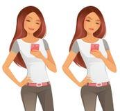 Piękna dziewczyna Używa telefon komórkowego Zdjęcia Royalty Free