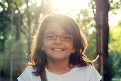 Piękna dziewczyna w świetle słonecznym obrazy royalty free