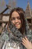 Piękna dziewczyna w chustka na głowę Obrazy Royalty Free