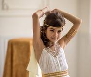 Piękna dziewczyna w grek sukni zdjęcia stock