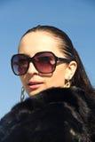 Piękna dziewczyna w okularach przeciwsłonecznych Zdjęcie Royalty Free