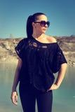 Piękna dziewczyna w okularach przeciwsłonecznych Zdjęcia Stock