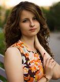 Piękna dziewczyna w pięknym mieście obraz stock