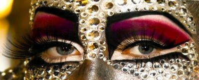 Piękna dziewczyna z artystycznym makijażem Fotografia Stock