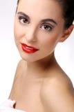 Piękna dziewczyna z perfect skóry i czerwieni pomadką zdjęcie stock