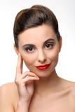 Piękna dziewczyna z perfect skóry i czerwieni pomadką zdjęcia stock