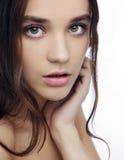 Piękna dziewczyna z pięknym makeup, młodości i skóry opieki pojęciem, zdjęcia stock