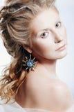 Piękna dziewczyna z splendorów bożych narodzeń makeup Obrazy Royalty Free