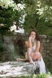 Piękna dziewczyny odzieży suknia jak panna młoda Fotografia Stock