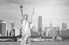 Piękna epicka czarny i biały fotografia od nowej York miasta linii horyzontu Zdjęcie Stock