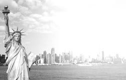 Piękna epicka czarny i biały fotografia od nowej York miasta linii horyzontu Obrazy Stock