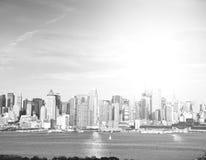 Piękna epicka czarny i biały fotografia od nowej York miasta linii horyzontu Obraz Royalty Free