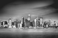 Piękna epicka czarny i biały fotografia od nowej York miasta linii horyzontu Obraz Stock