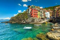 Piękna fantastyczna Riomaggiore wioska, Cinque Terre, Liguria, Włochy, Europa fotografia royalty free