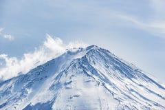 Piękna Fuji góry forma pięć pokojowy jezioro w zimie Fotografia Royalty Free