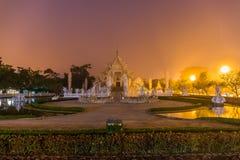 Piękna i zadziwiająca biała sztuki świątynia przy Watem Rong Khun Chiang Raja, Tajlandia Ja jest turystycznym miejsce przeznaczen zdjęcie stock
