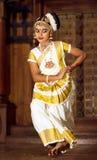 Piękna Indiańska dziewczyna tanczy Mohinyattam tana Fotografia Stock