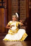 Piękna Indiańska dziewczyna tanczy Mohinyattam tana w forcie Cochin, Fotografia Stock