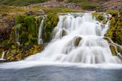 Piękna kaskadowa siklawa, część Dynjandi siklawa, długi ujawnienie, Iceland Obraz Stock