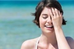 Piękna kobieta przy morzem Fotografia Stock