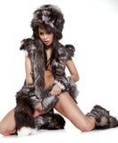 Piękna kobieta w barbarzyńcy kostiumu Obrazy Stock