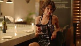 Piękna kobieta w barze zbiory