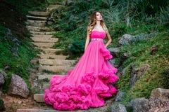 Piękna kobieta w wspaniałej sukni Fotografia Stock