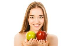 Piękna kobieta z dwa jabłkami odizolowywającymi Obrazy Stock