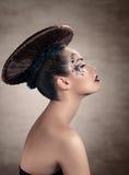 Piękna kobieta z dysk fryzurą fotografia stock