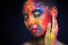 Piękna kobieta z jaskrawym kreatywnie sztuki makeup zdjęcie stock
