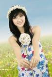 Piękna kobieta z koroną kwiat Obraz Stock