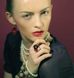 Piękna kobieta z wieczór makijażem. Obrazy Stock