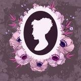 Piękna kobiety sylwetka w kwiecistej ramie ilustracji