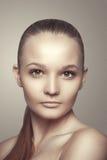 Piękna kobiety twarz. Czyści skórę. Piękno moda fotografia stock