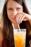 piękna koktajlu portreta kobieta zdjęcie royalty free