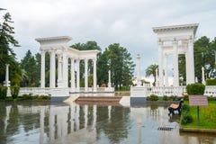 Piękna kolumnada w nadmorski parku w centrum Batumi, Gruzja zdjęcie royalty free