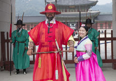 Piękna Koreańska dziewczyna w tradycyjnych Hanbok sukniach Zdjęcie Royalty Free
