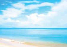 Piękna lato plaża z błękitnym seawater royalty ilustracja