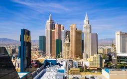 Piękna linia horyzontu Las Vegas pasek z NY NY hotelem i kasynem - 12, 2017 LAS VEGAS, NEVADA, PAŹDZIERNIK - Zdjęcie Stock