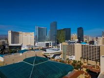 Piękna linia horyzontu Las Vegas pasek z NY NY hotelem i kasynem - 12, 2017 LAS VEGAS, NEVADA, PAŹDZIERNIK - Zdjęcia Stock
