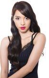 Piękna młoda azjatykcia kobieta z perfect skórą na odosobnionym tle obraz stock