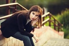 Piękna młoda brunetki dziewczyna Obrazy Stock